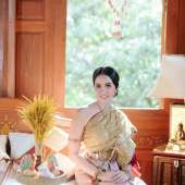 คุณการะเกด & คุณอิศรา. บ้านมหาสวัสดิ์ เรือนไทยจัดงานแต่งงาน งานแต่งงานตกแต่งแบบไทย (ต่อ)